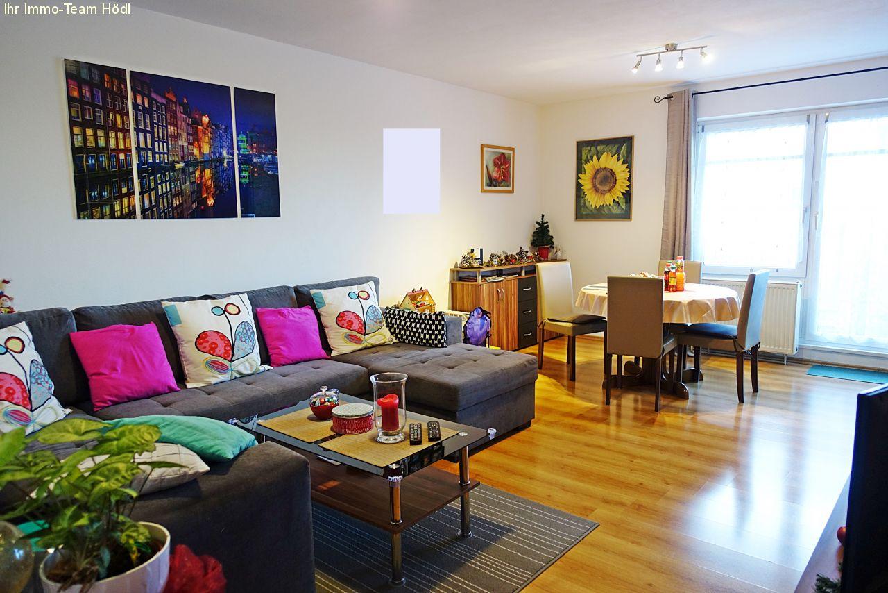 immobilien reutlingen wir suchen einen neuen mieter f r eine sch ne wohnung. Black Bedroom Furniture Sets. Home Design Ideas