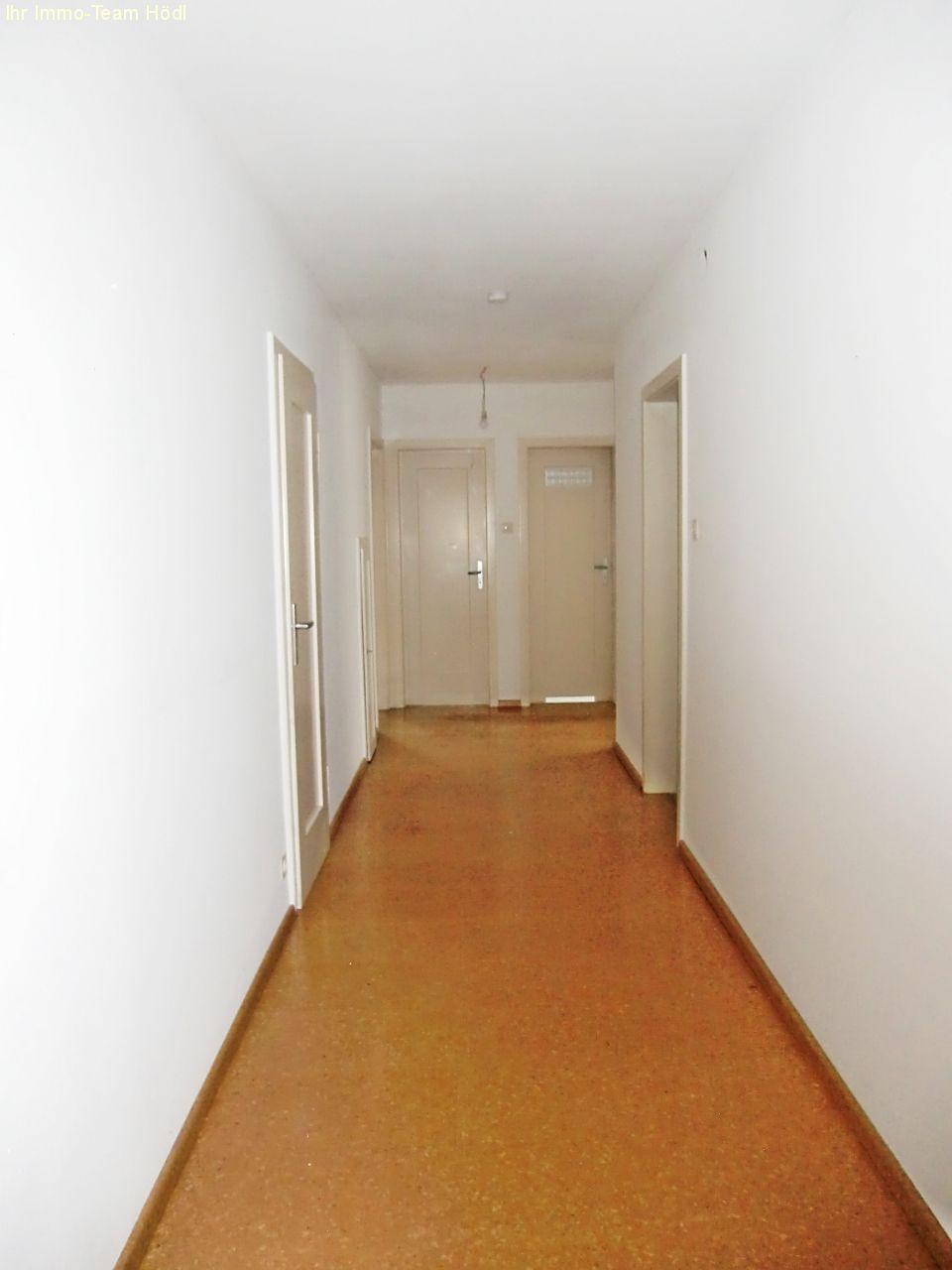 immobilien reutlingen ein haus mit vielen m glichkeiten. Black Bedroom Furniture Sets. Home Design Ideas